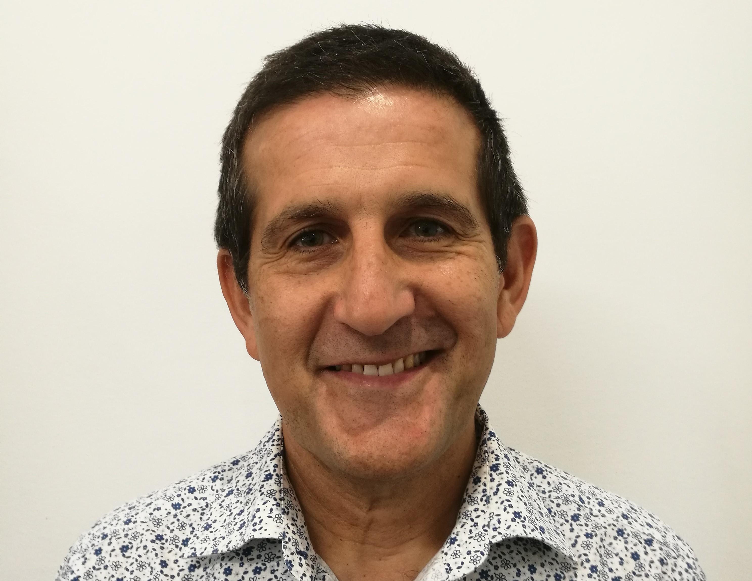 Dr Lynton Stephens